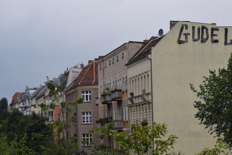 Plenzlaur Berg street scene